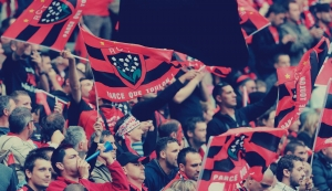 rc-toulon-rugby-supporter-drapeau-echarpe-stade-holiprom